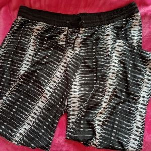Black and white Jessica Simpson pants